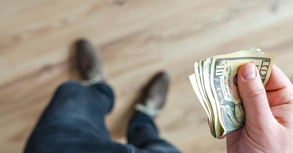אל תשחקי מונופול עם החיים שלך על אלימות כלכלית